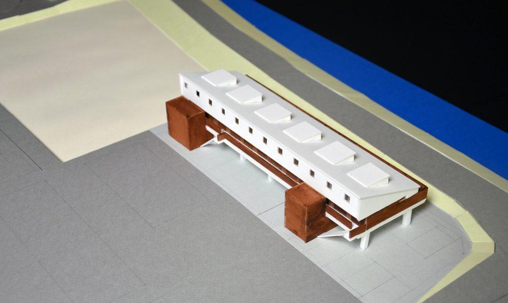 ピロティのある集合住宅模型